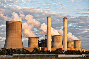 Entre a polêmica e a necessidade, os vãos por onde corre a energia nuclear